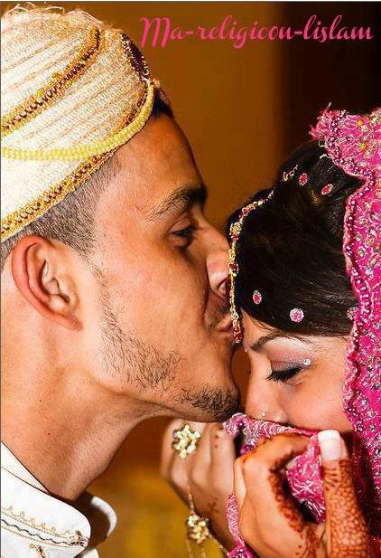 """""""Donne-moi ta main pleine de henna, t'es ma princesse, viens dans mon sultanat On suivra la Sunna, ce sera plus beau que dans les films au cinéma Pour s'aimer comme Jedi & Henna & in'sha Allah entrer ensemble au Jenna """" ♥"""