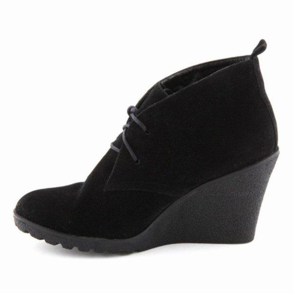 Chaussures compenssées noir basses.T'aille 38-39.