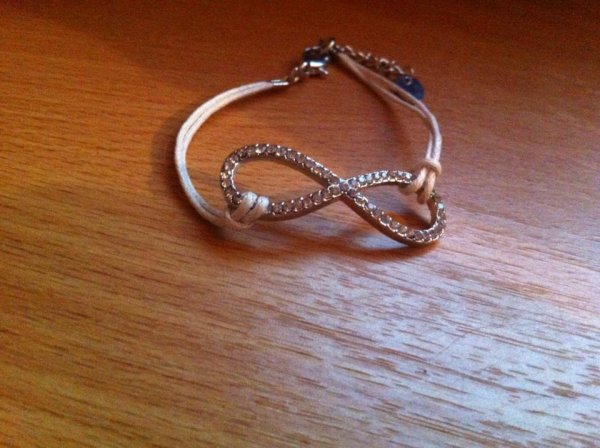 Bracelet infinity.