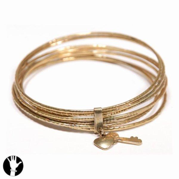Multiples bracelets clé et coeur