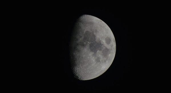La Lune le 27/02/2015 avec mon Tamron 70-300 mm