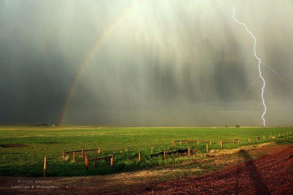 Arc en ciel et orage (1/2)