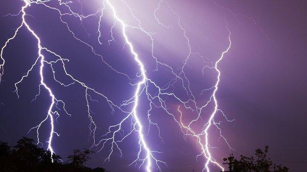 Chasseur d'orages : un métier sportif !