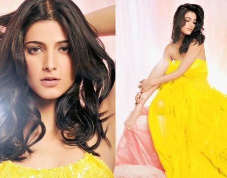 Shruti Hassan on Filmfare Anniversary 2010 Scans