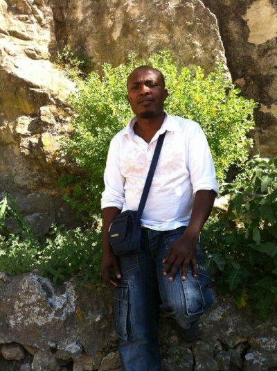 10 / NISSIHOU VINDZA CHERI WANGOU (2011)