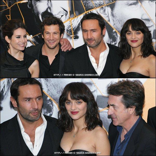 _ APPARENCE ~ 14/10/10 ~ L'équipe du nouveau film de Guillaume Canet, Les Petits Mouchoirs, était au grand complet aux Champs Elysées de Paris pour présenter le film officiellement à la première. _
