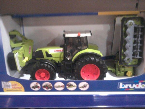 le meme tracteure que selui juste avant mais en BRUDER