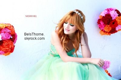Photoshoot de Bella pour Sherri Hill