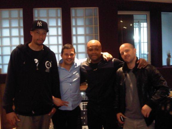 Alibi avec dj ewone francois et bruno a l enregistrement du titre de l appel du 21 avril