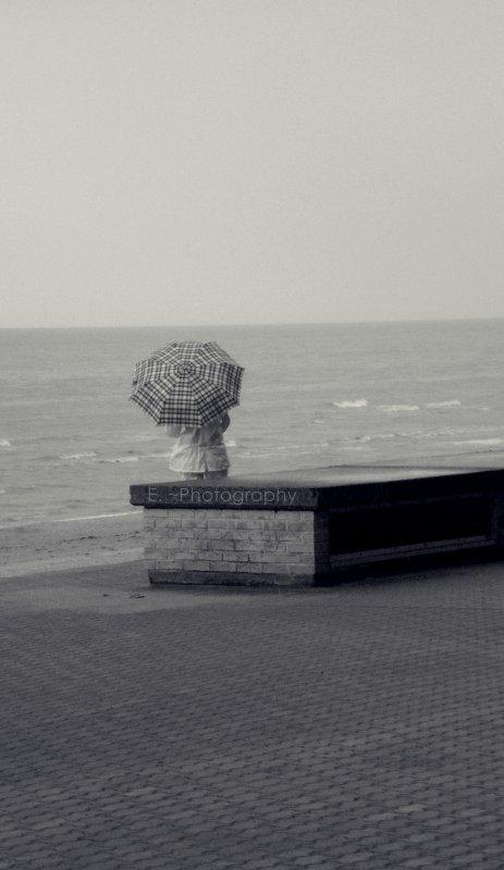 Parapluie face à la Mer