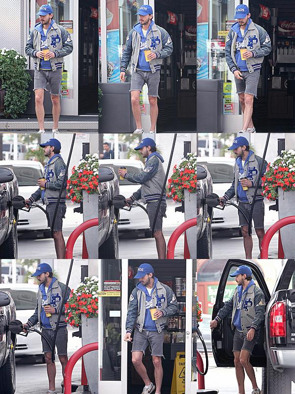 28 Novembre : Shia a été vu dans une station d'essence après être allé à un café, à Hollywood.