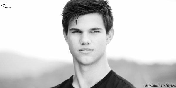 Mr-Lautner-Taylor Infos :)  ( REFAIS LE COMPTE DEPUIS LE TEMPS ) Mr-Lautner-Taylor