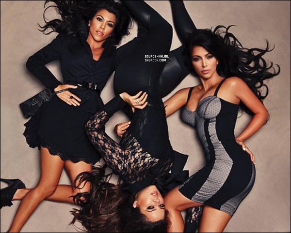 """. Khloe et ses soeur on fait un photoshoot pour le magazine """"Sears"""" ! ."""
