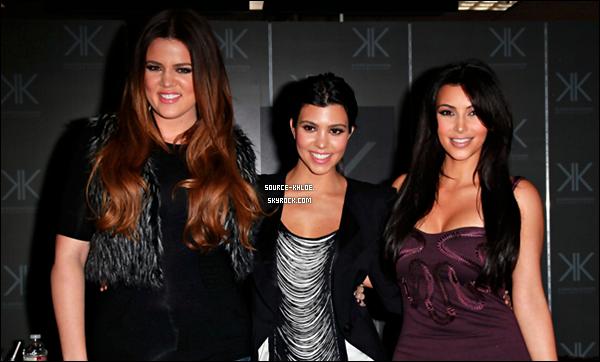 """Dimanche 18 Septembre 2011:Khloe kardashian Est c'est Soeur Kourtney et  Kim  étaient présente au magasin Sears de Cerritos  afin de présenter leur collection de vêtements """"Kardashian Kollection""""."""