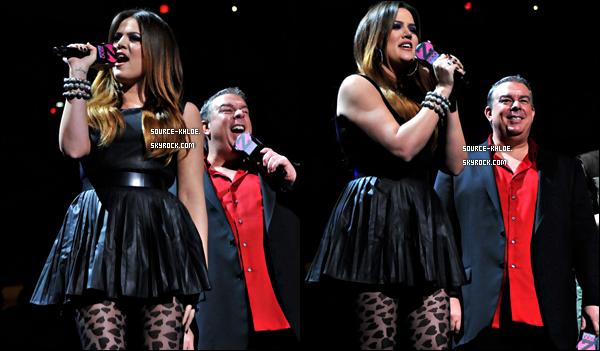CANDIDS / EVENT     Vendredi 9 décembre : Khloe kardashian à été vu quittant son hôtel New-yorkais .
