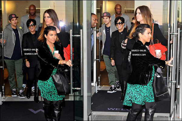 .    26/01/12 : Khloé et sa famille on passé du temps ensemble à Dallas avant de se dirigeaient au restaurant steakhouse.Top ou flop ? .