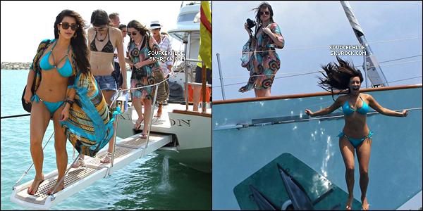 .    * VACANCE * _   Photos : Voici trois photos où ont peut voir khloé lors de son voyage en république D  D'autre photos vont être mis en ligne prochainement.