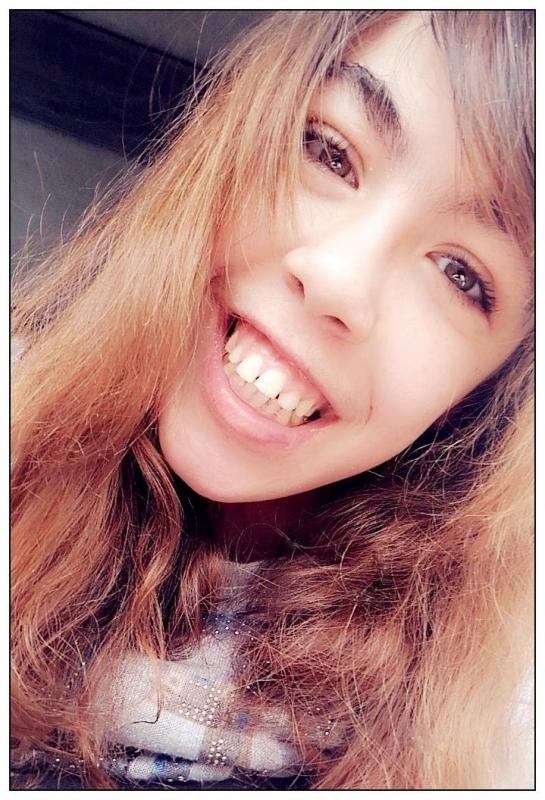 Le bonheur n'est pas le sourire que tu affiches quand tu es face aux autres, mais celui qui te reste dans le c½ur quand tu es face à toi-même.