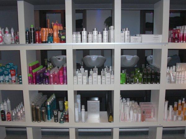 L 39 espace vente le salon coiffeur coloriste for Agencement de salon de coiffure