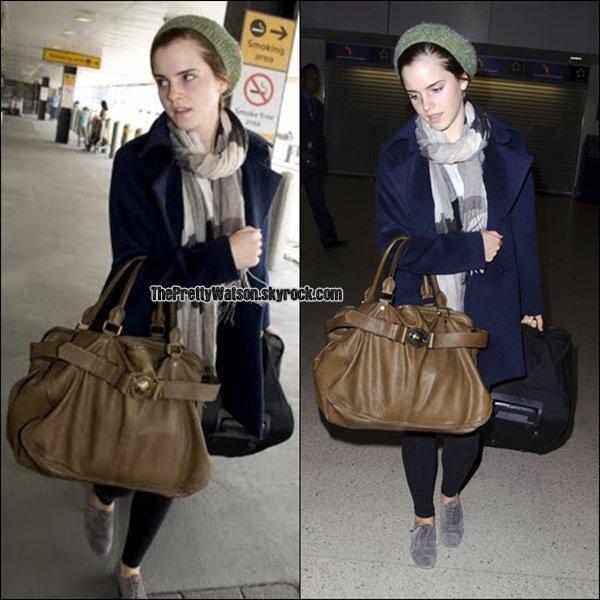 .Emma Watson était à  l'aéroport de Londres le 24/04 (hier) à destination des états-unis !   .