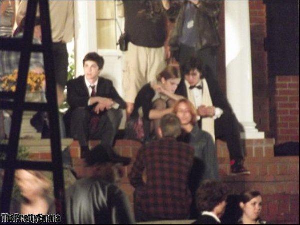 """.Emma sur le tournage de """"The perks of being of wallflower"""" pendant les derniers jours de tournages.  ."""