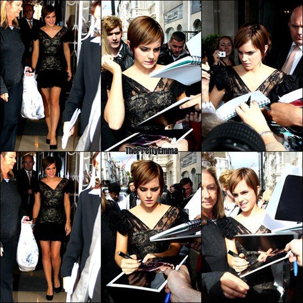 .06/07 : Emma sortant de son Hotel à Londres !  .
