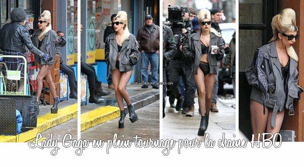 """* Lady Gaga twitte des paroles du prochain single """"JUDAS"""" + Elle a été vu en plein tournage pour la chaine HBO.*"""
