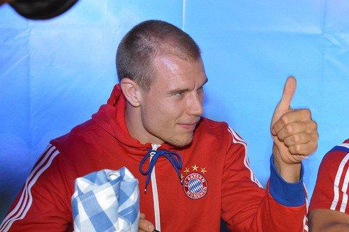 Holger signe des autographes à NY (2.08.2014)