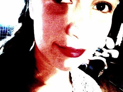 « Un baiser, qu'est-ce ? Un serment fait d'un peu plus près, un aveu qui veut se confirmer, un point rose qu'on met sur l'i du verbe aimer ; c'est un secret qui prend la bouche pour oreille. »