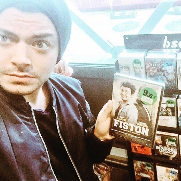 On trouve des DVD cool dans les stations service