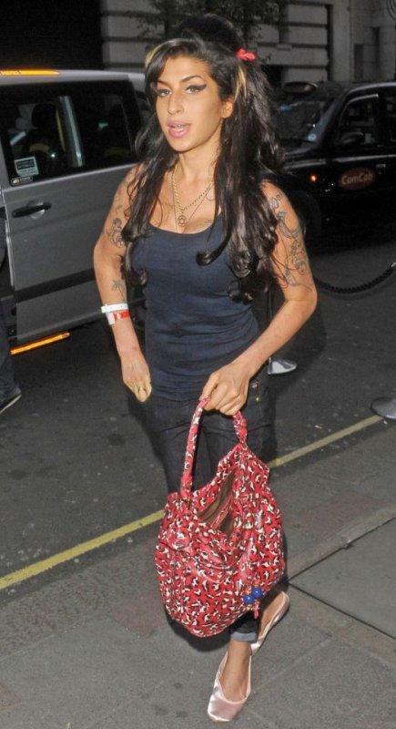 Amy Winehouse va sortir une mini collection de vêtements