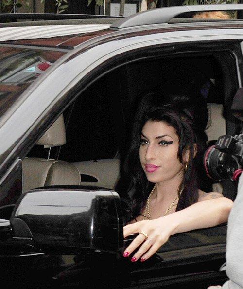 Figure de cire d'Amy Winehouse vus sur un lecteur