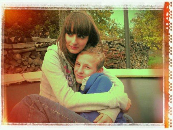 il est beau mon fils avec sa copine