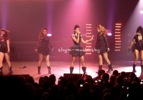 NRJ MUSIC TOUR 2010- Quelques photos du shows de Shy'm!