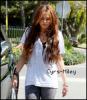 Cyrs-Miley-skps9