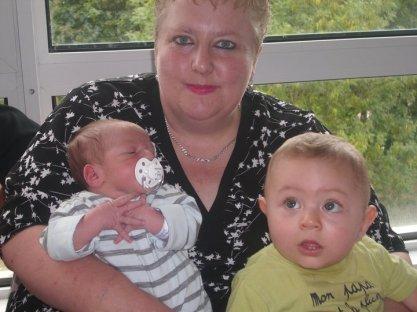 ma mere avk c deux petit garçon je vous aime