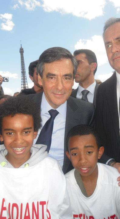 ( Place du Trocadéro a Paris avec Nicolas sarkozy ) François Fillon Premier Minister Rencontre William Ombagho & Kenny Ombagho