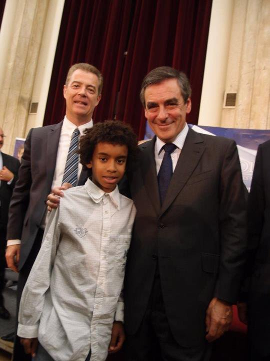 François Fillon Ancien Premier Ministre 2007 à 2012 mai Député de Paris Candidat à la Présidence de l'UMP rencontre William Ombagho
