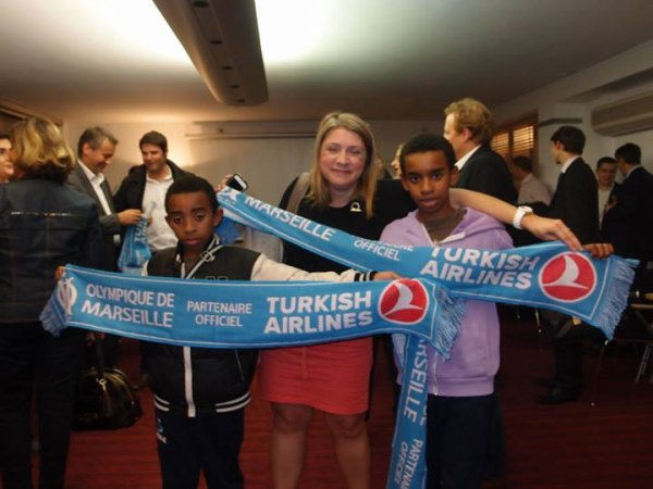 "Nazan Erol - Directrice Générale Turkish Airlines.....  Nazan Erol, Présidente du comité de direction et porte-parole de Star Alliance en France rencontre William ombagho & Kenny Ombagho "" OLYMPIQUE MARSEILLE PARTENAIRE TURKISH AIRLINES """
