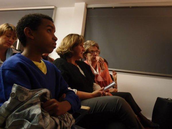 Les  Adjoint Maire assises côte à côte  de William Ombagho  jeune militant 15 ans   Réunion Municipale 2014 avec Sylvain Berrios, 12 rue Machefer à Saint-Maur ( prés de la gare du RER Saint-Maur Créteil )