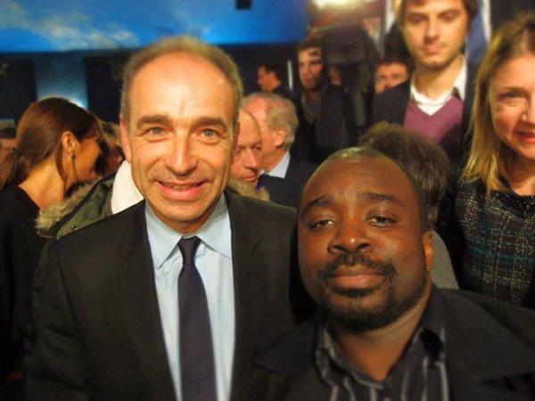 Georges Ombagho  rencontre  Jean-François COPE Maire-député, Président de l' UMP Réunion Publique  avec Jean-François  COPE Maire-député , Président de l' UMP de soutien à Sylvain Berrios candidat  éléctions Municipales de 2014