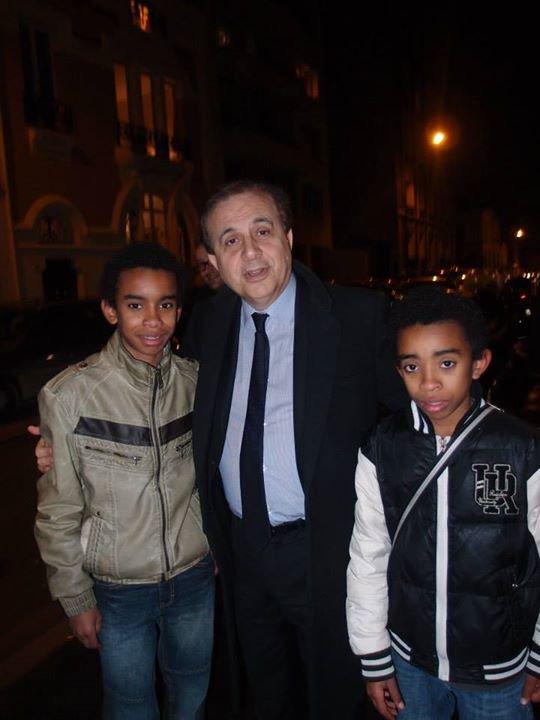 Roger KAROUTCHI, sénateur des Hauts de Seine,Vice président de l' UMP rencontre William Ombagho, jeune militant de 15 ans & Kenny Ombagho,jeune militant de 13 ans