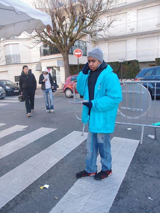 """Spécial Municipal 2014 : William Ombagho,jeune militant de 15 ans tract de Sylvain Berrios """" les 8 marchés de Saint-Maur-des-Fossés """""""