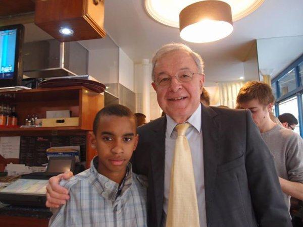 """Alain Lamassoure ,Ancien ministre Député Européen rencontre William Ombagho Jeune militant de 16 ans """"Pour la France agir en Europe"""""""