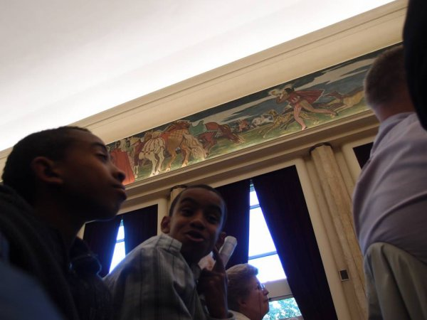 """William Ombagho,Jeune militant de 16 ans & Kenny Ombagho,Jeune militant de 14 ans """"Réunion publique sur le thème """"Quelle Europe pour demain?"""" en présence de Bruno Le Maire """""""