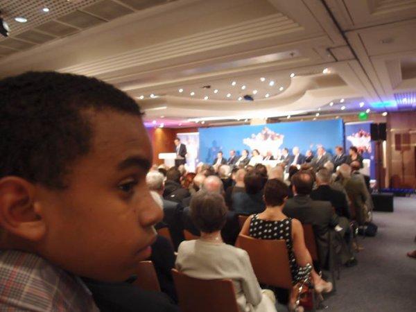 """William Ombagho,jeune militant de 16 ans & Kenny Ombagho de 14 ans """"A l'Assemblée Générale de Force Républicaine avec François Fillon, Premier ministre  (2007 - 2012)  et députe de Paris """""""