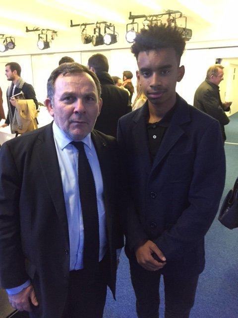 Maître Francis SZPINER, ténor du barreau de Paris et grand habitué des cours d'assises. rencontre William Ombagho,Etudiant spécialité RHC (ressources humaines et communication) et jeune militant de 18 ans