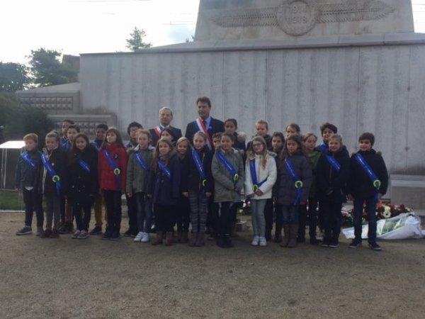 La commemoration du 98e anniversaire de l' armistice du 11 novembre 1918 et tous les morts pour la France