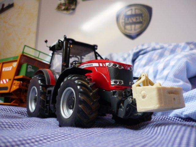 Une de mes passion les tracteur en miniature comme en vrai