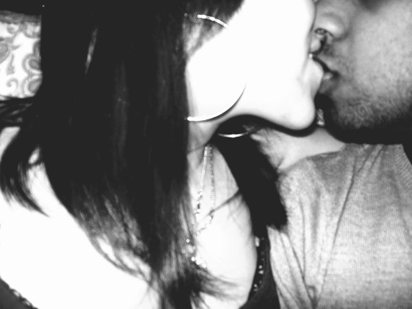 La seule vérité que l'on puisse apprendre un jour, c'est qu'il suffit d'aimer et de l'être en retour ♥